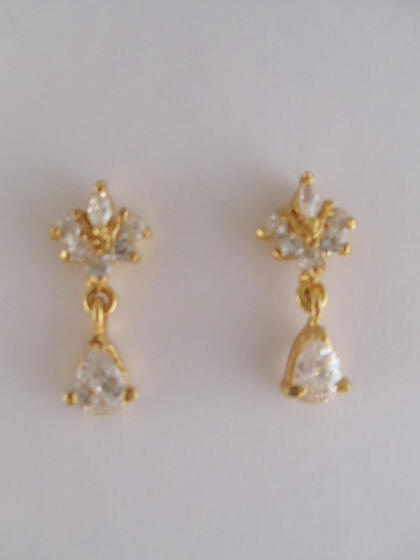 1gm Gold White Stone Earrings Us 17 Pair