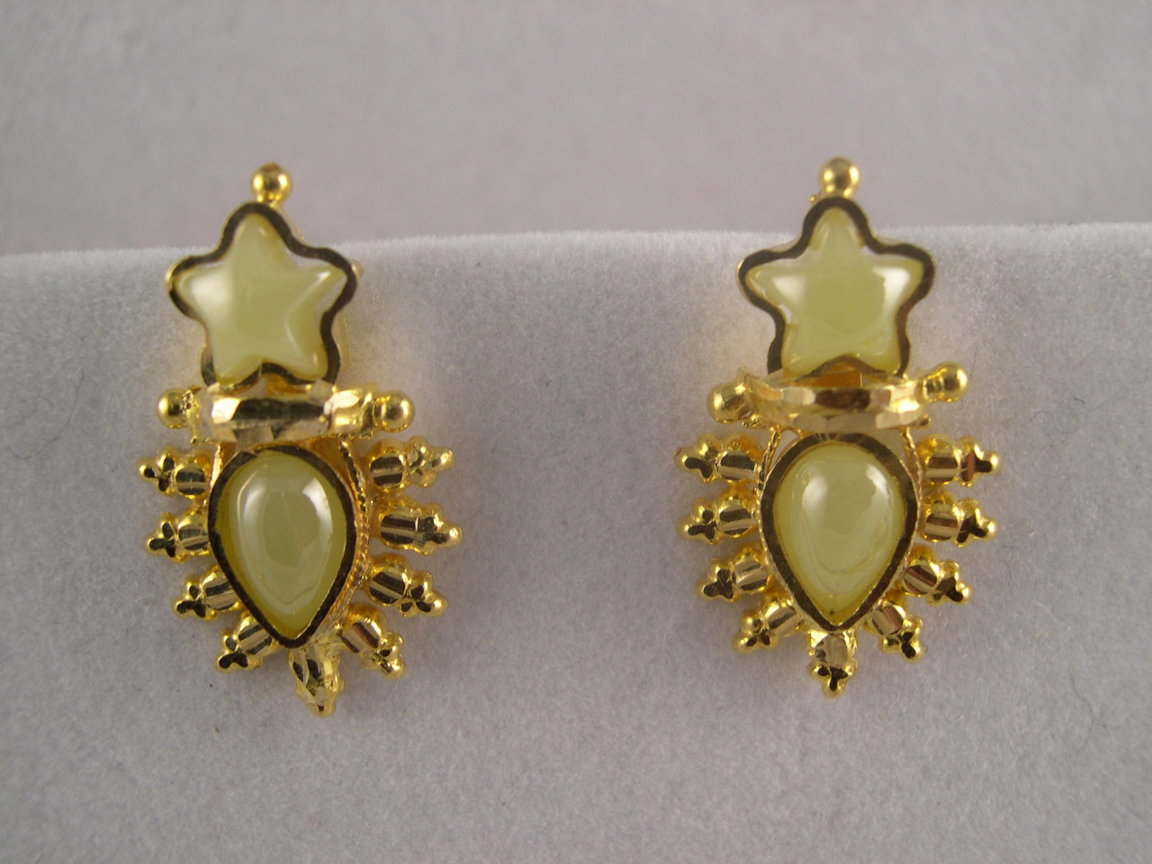 lot of pair byzantine earrings item gold