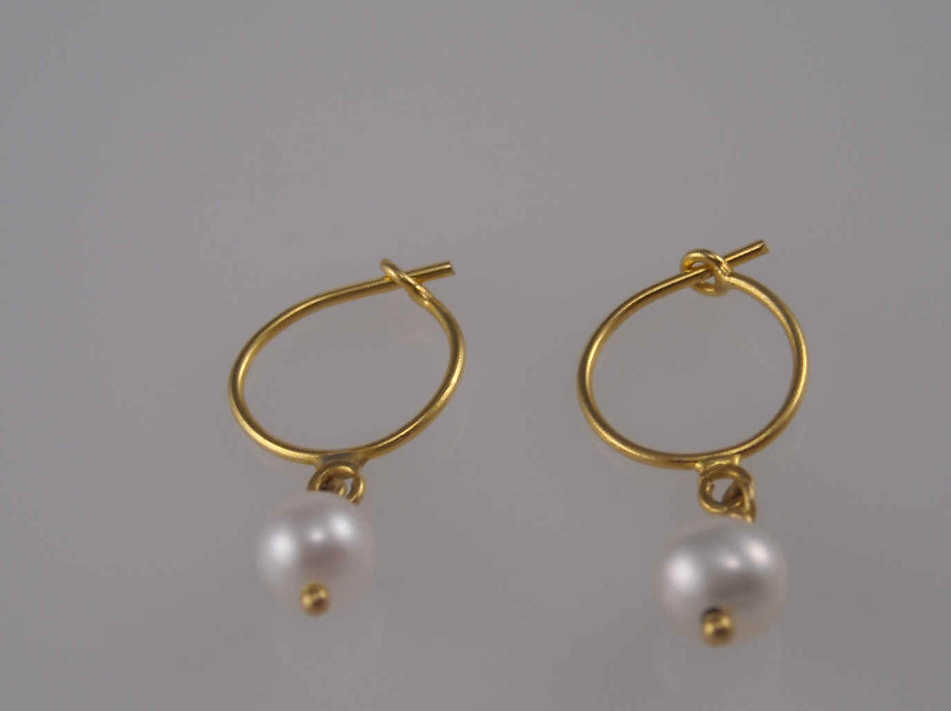22k Gold Jewelry Beautiful Earrings And Pendants With Natural Gemstones