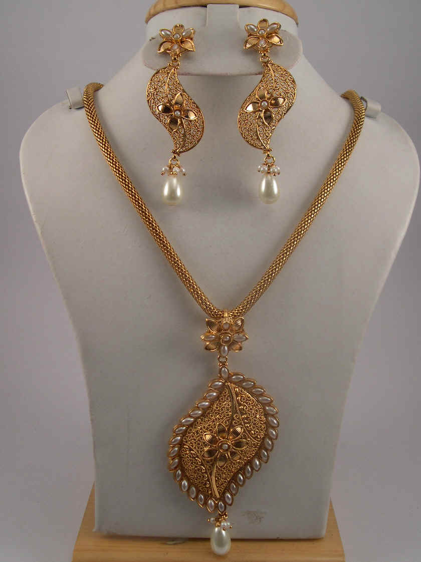 Antique jewelry necklace sets antique jewelry set with pearls 16 necklace set us 80 item aj bp 4 aloadofball Choice Image