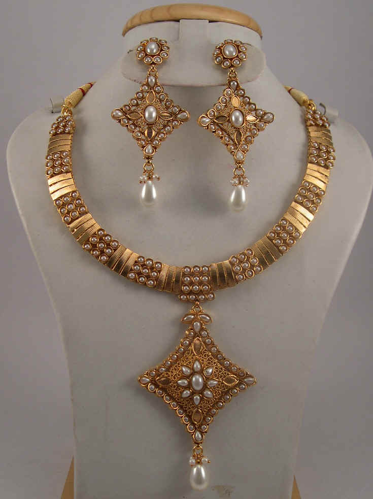 Antique Jewelry Necklace Sets