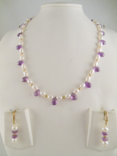 dd3d7273d4be35 Pearl Necklace made with Rice Pearl 5.5mm and Pear shape Facetted Amethyst  Beads 16